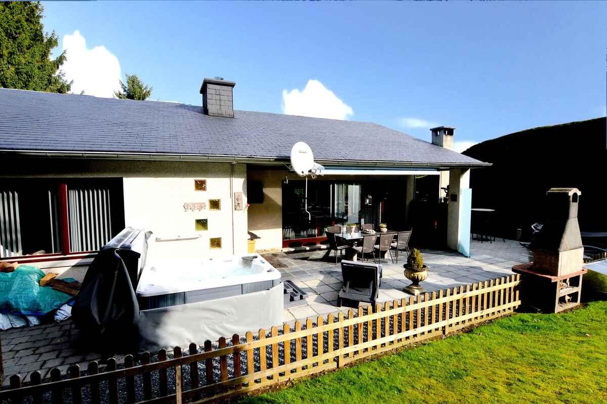 ferienhaus in houffalize belgien. Black Bedroom Furniture Sets. Home Design Ideas
