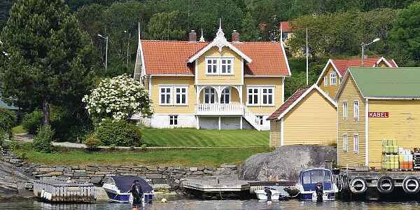 Holiday home in Finnøy