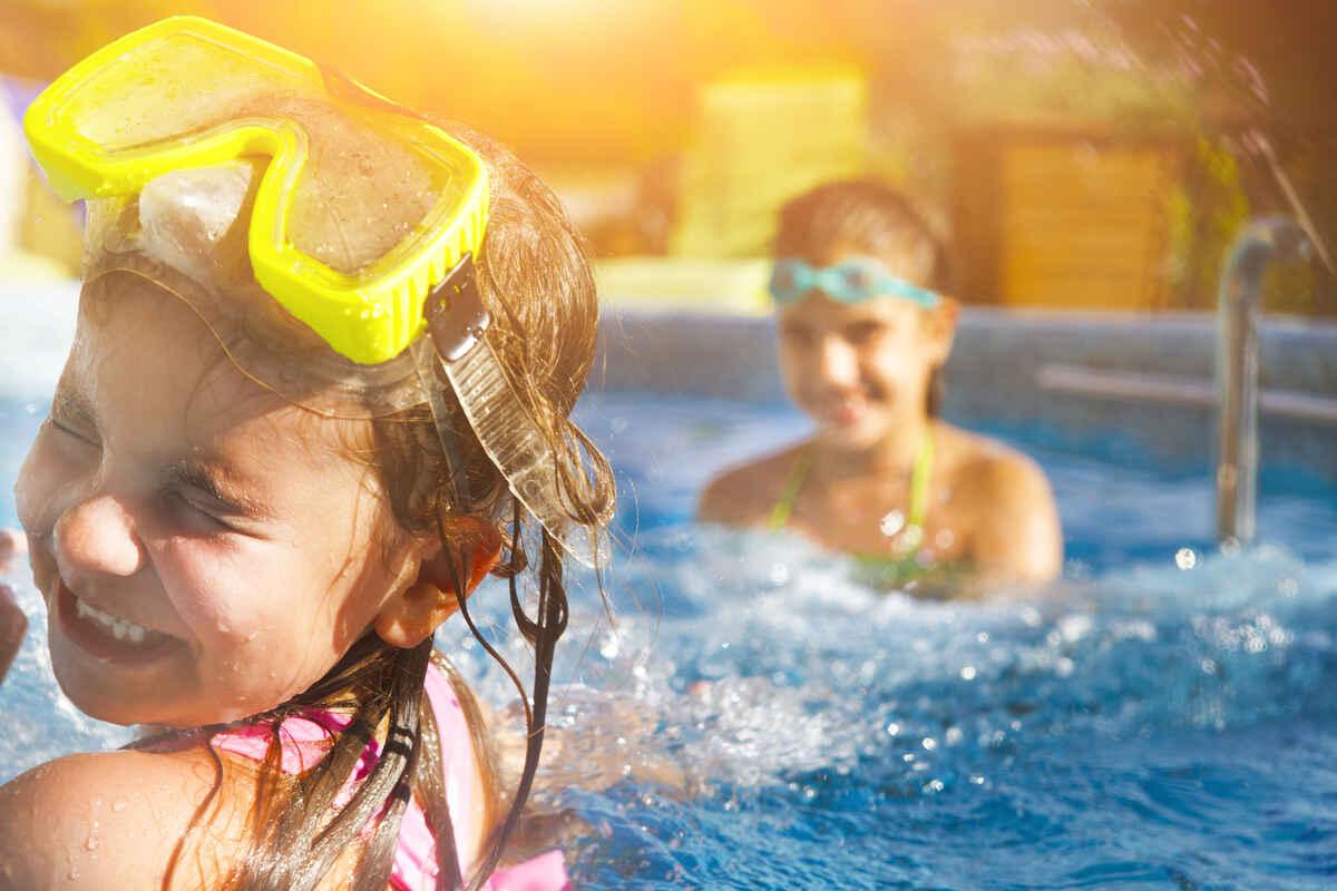 Leder du efter sommerhusudlejning i ind- eller udland? Så er du kommet til det rigtige sted. Hos Campaya sommerhusudlejning har vi samlet de danske sommerhuse og udenlandske feriehuse og ferielejligheder på tværs af udlejningsbureauerne, så du kun behøver lede et sted, når du skal finde den perfekte feriebolig.