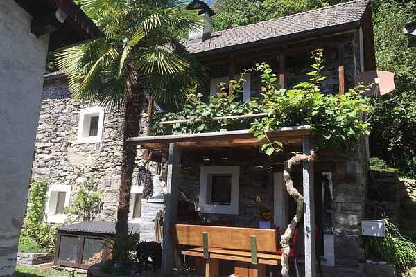 Villa i Agarone