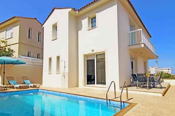 Villa in Pernera