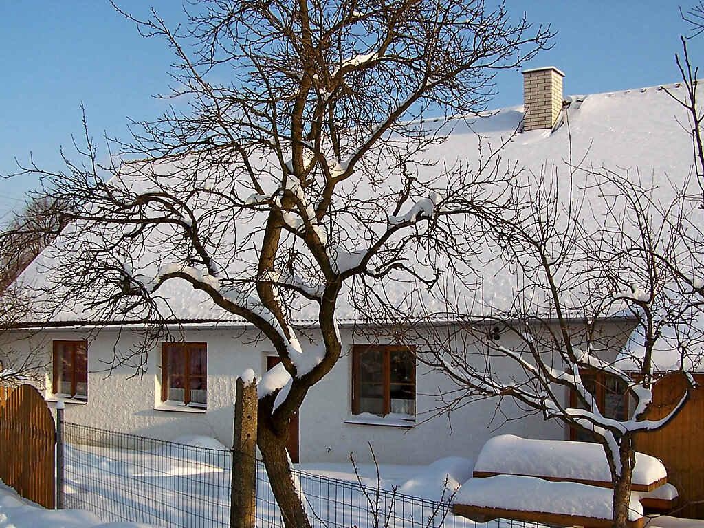 Villa in Chrástov