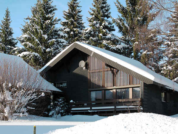 Villa in Dorf
