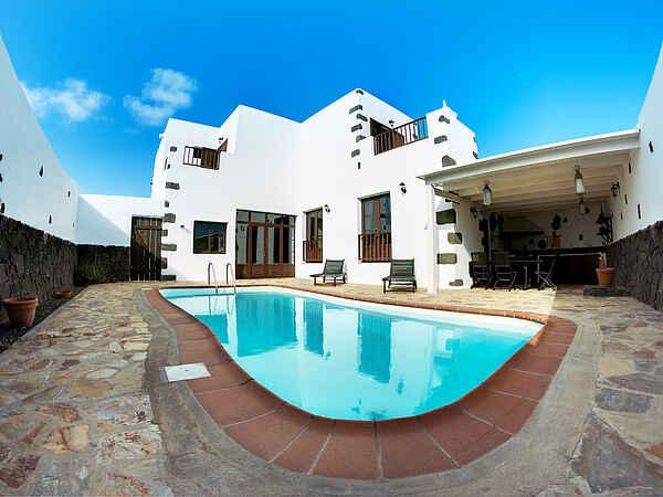 Villa in Tinajo