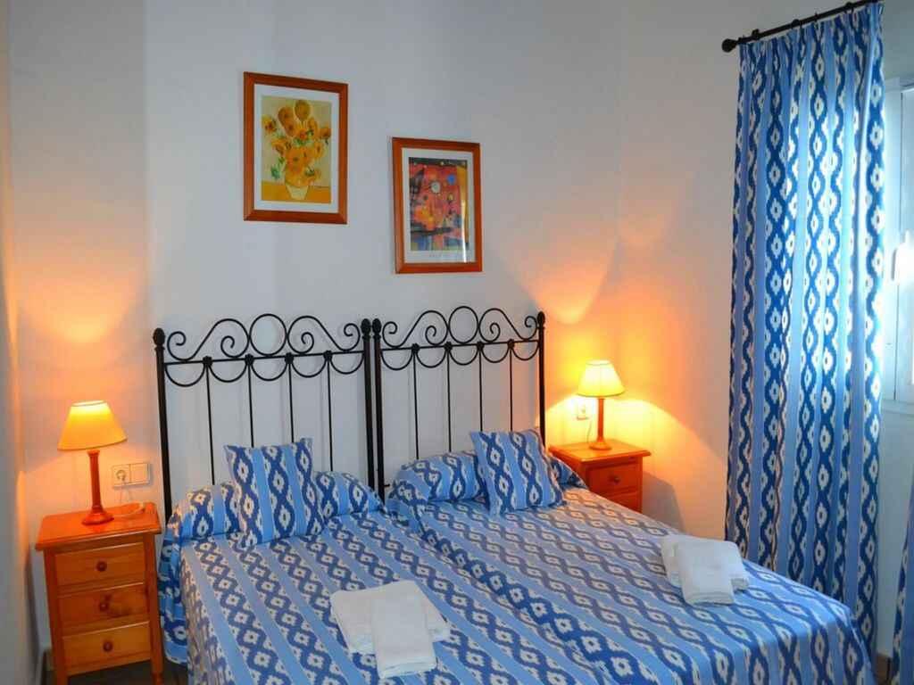 stadthaus in alaior spanien. Black Bedroom Furniture Sets. Home Design Ideas