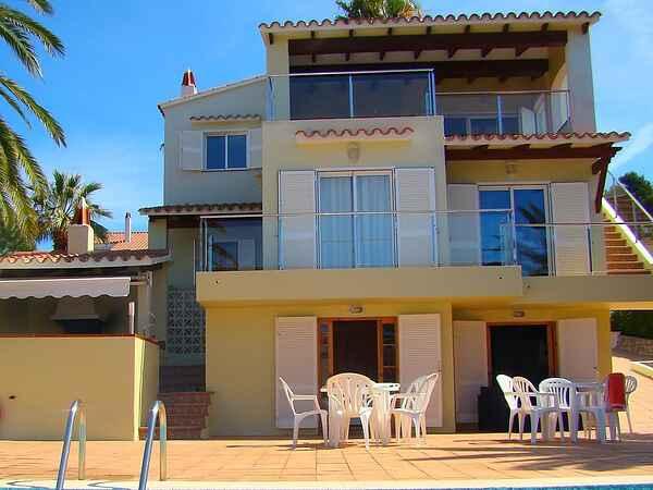 Villa in Alaior