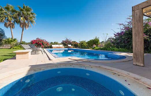 Villa ihes8130.100.1