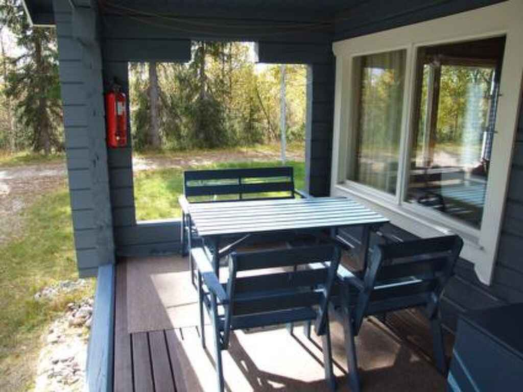stadthaus in kuusamo finnland. Black Bedroom Furniture Sets. Home Design Ideas