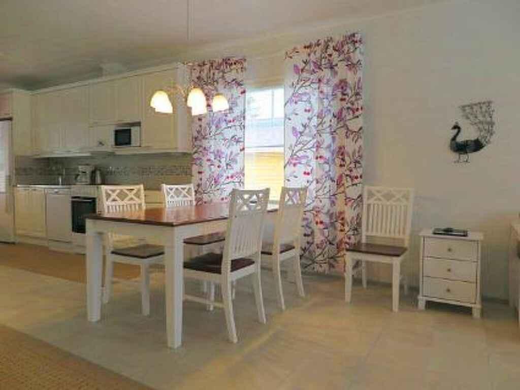 stadthaus in ranua finnland. Black Bedroom Furniture Sets. Home Design Ideas
