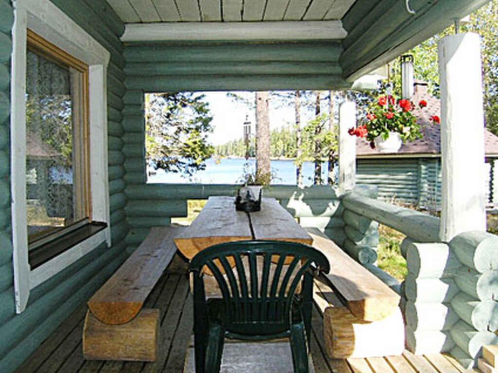 stadthaus in kaavi finnland. Black Bedroom Furniture Sets. Home Design Ideas