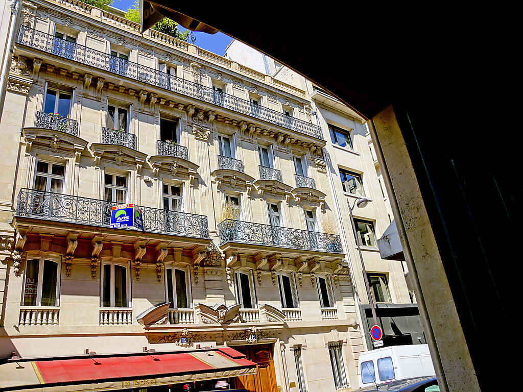 Apartment in 8th arrondissement of Paris