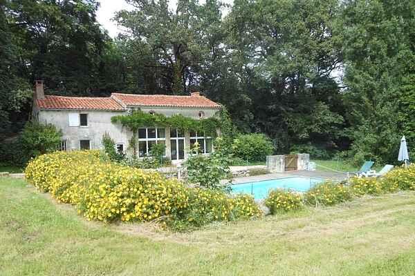 Villa à La Châtaigneraie
