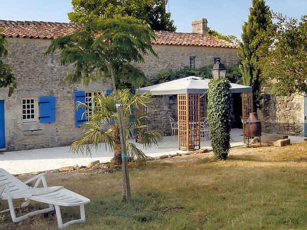 Villa in Les Essards