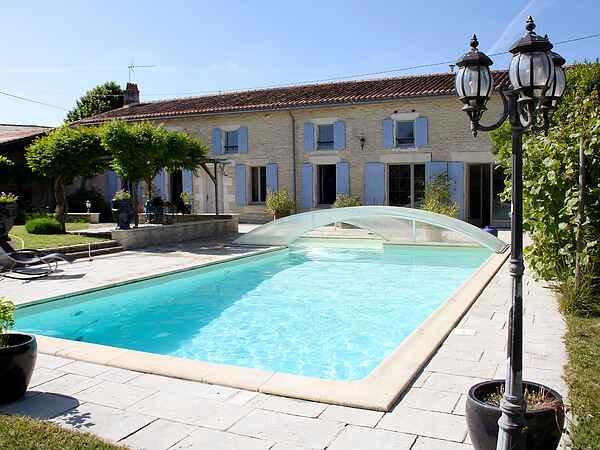 Villa in Saint-Jean-d'Angély