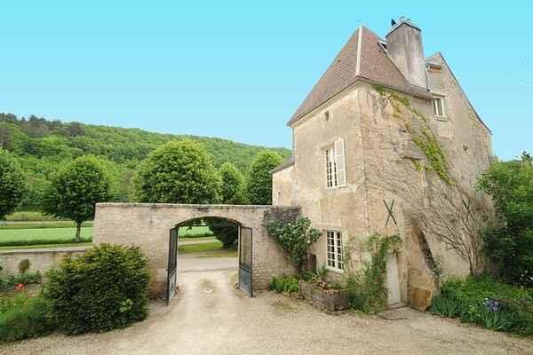 Villa in Avallon