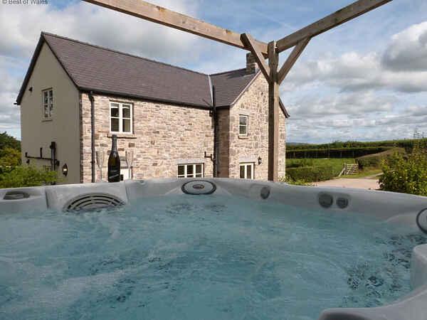 Villa i Llannefydd