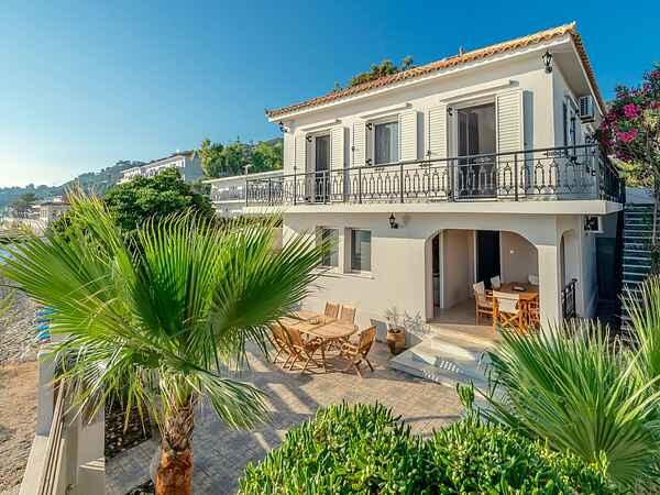 Villa in Argassi