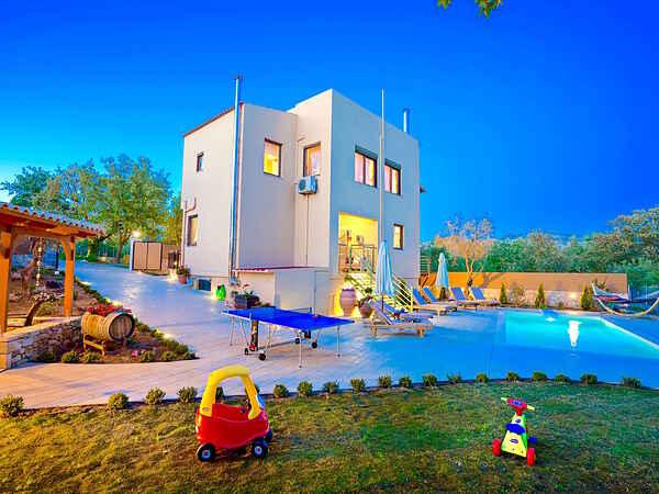Villa in Armeni