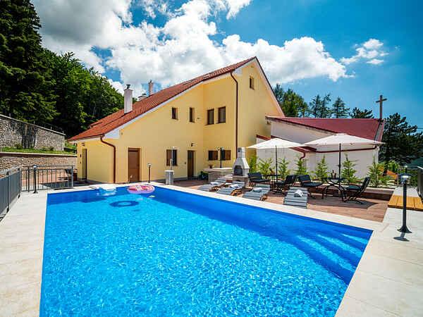 Villa in Krasno Polje