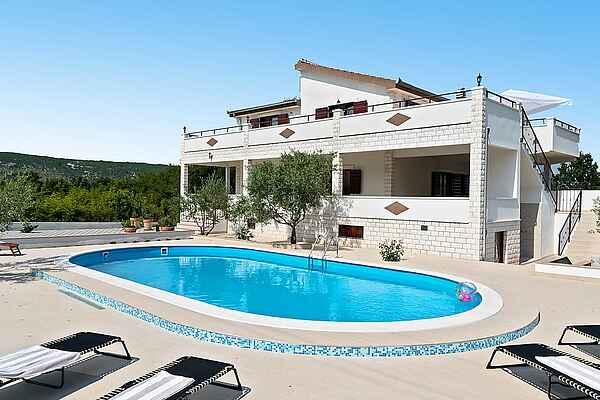 Villa in Seget