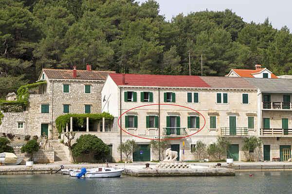 Appartamento in Povlja