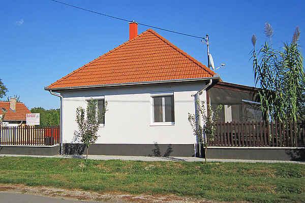Maison en ville à Tiszabábolna