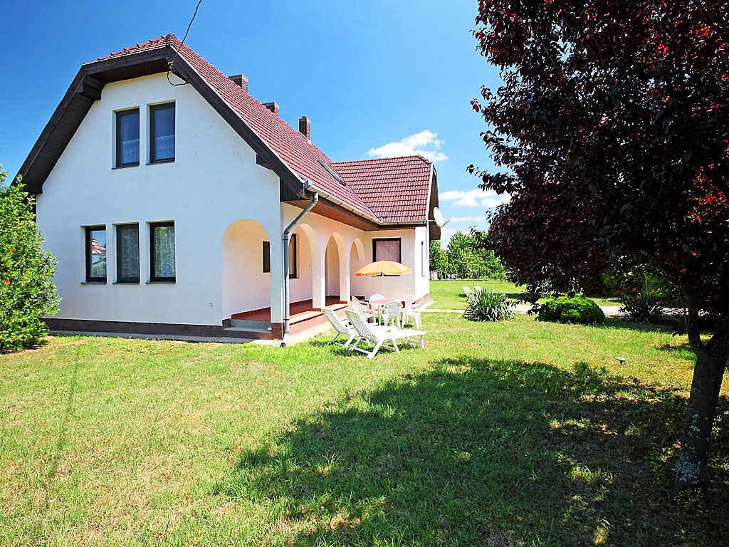Villa in Balatonőszöd
