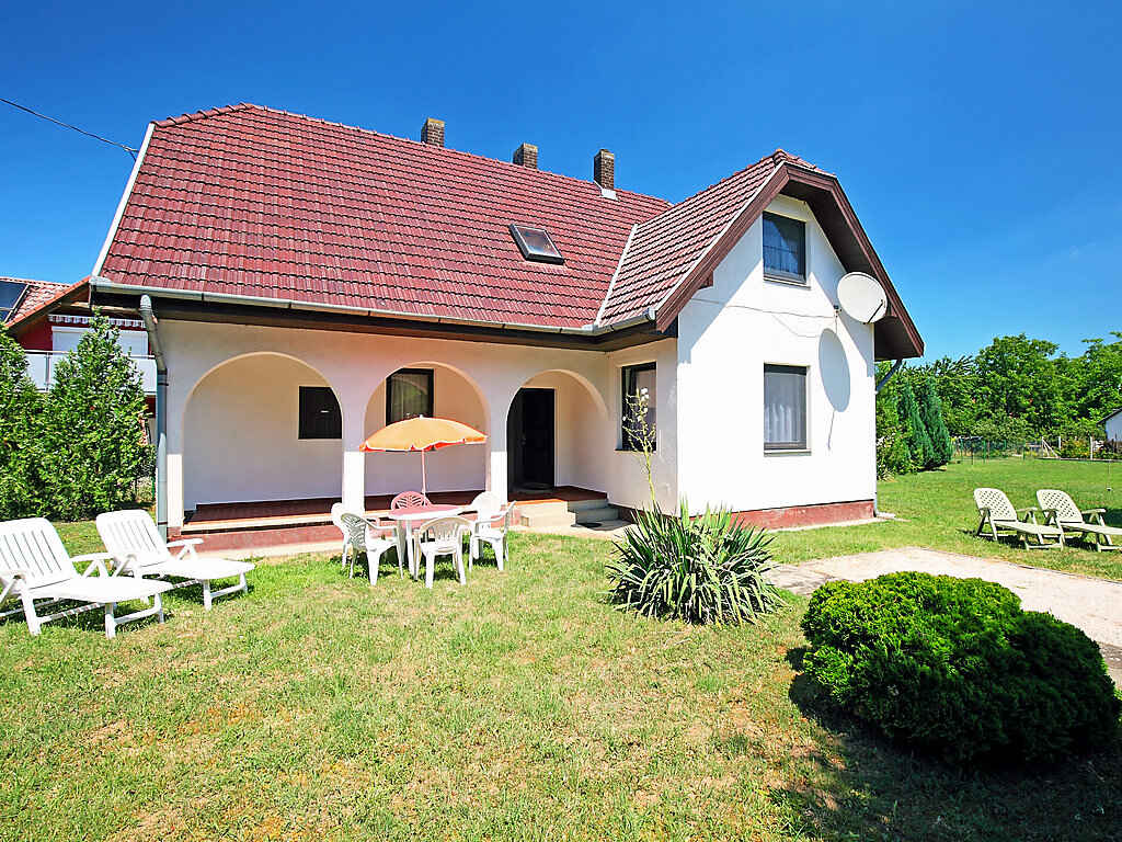 Villa in Balatonőszöd