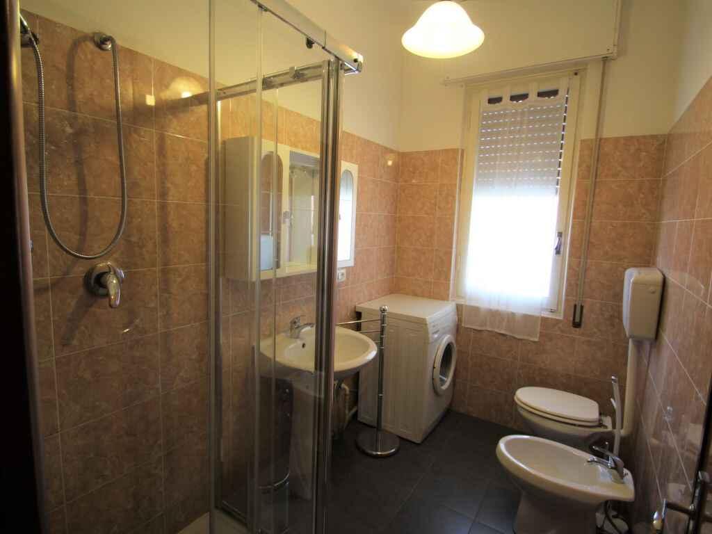 Appartamento in loano italia for Semplice casa con 3 camere da letto piani kerala