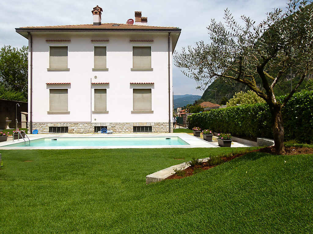 Apartment in Laveno-Mombello