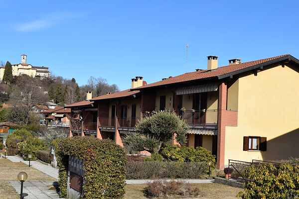 Appartamento in Brezzo di Bedero