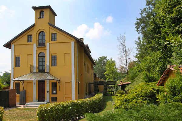 Stadthaus in Asti