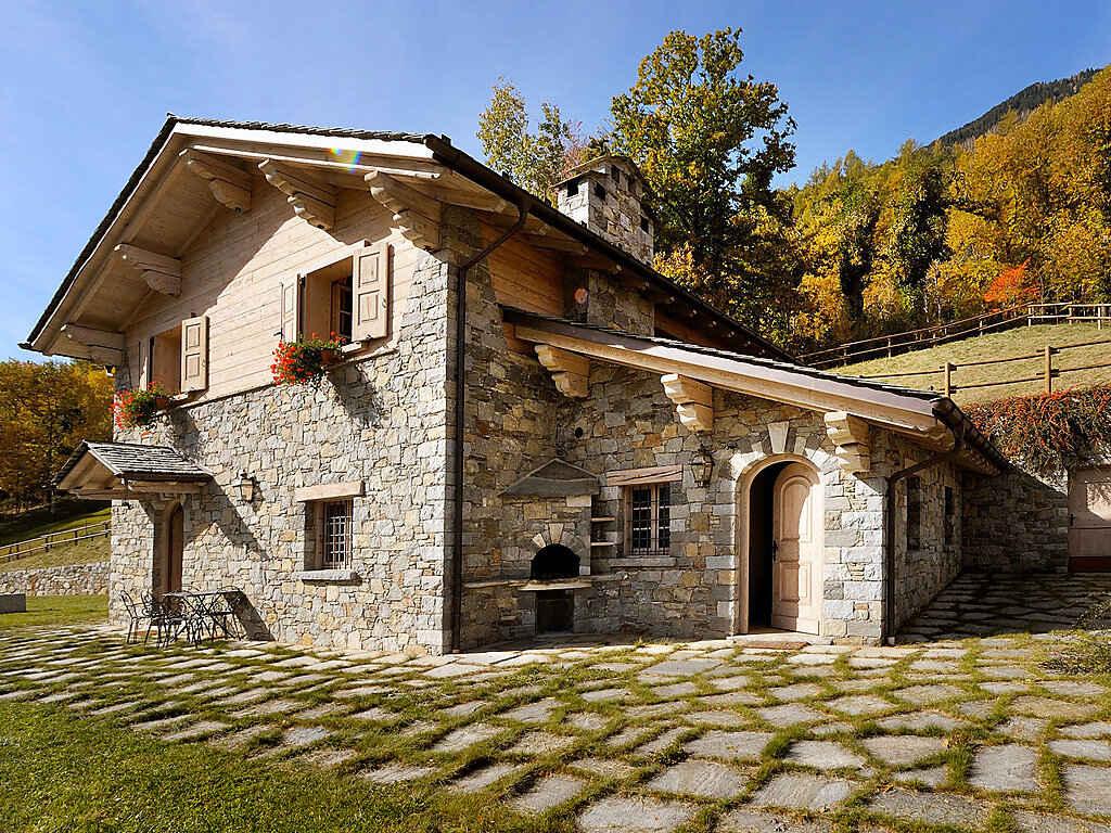 villa in grosotto italien. Black Bedroom Furniture Sets. Home Design Ideas