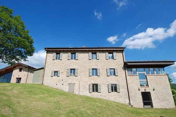Villa à Zocca