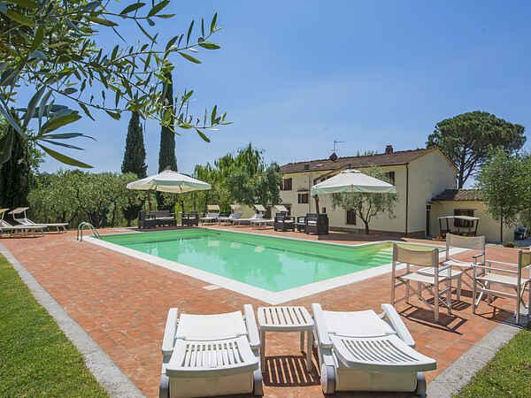 Villa i Lamporecchio