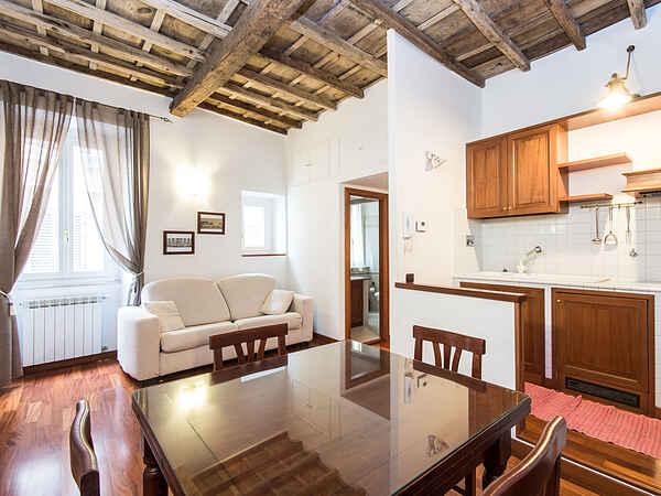 Lägenhet i Rione I Monti