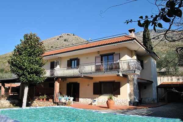 Villa in Pagnano