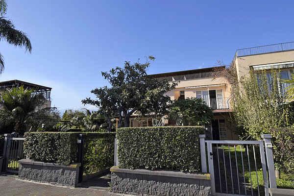 Lägenhet i Fiumefreddo di Sicilia