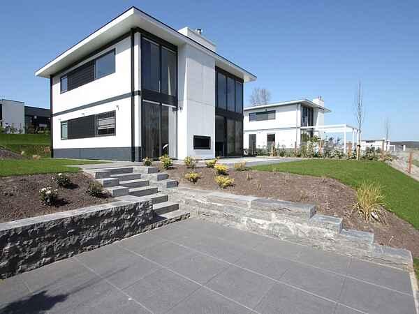 Villa in Halfweg