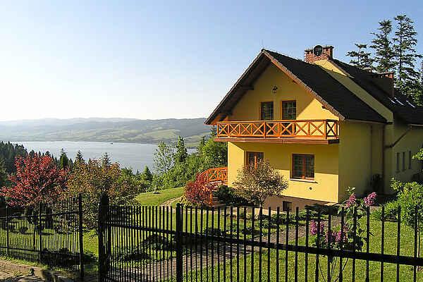 Villa en Falsztyn