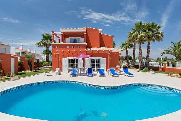 Villa in Porches