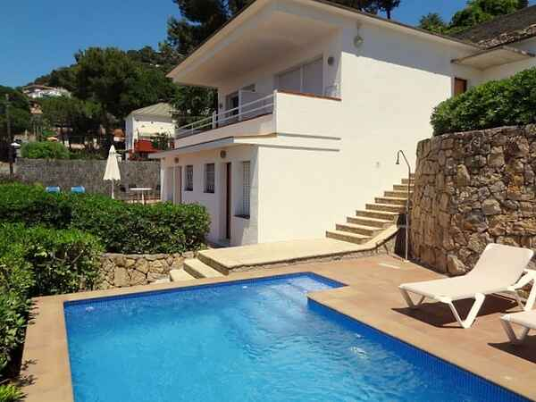 Nice holiday home in quiet area with private pool