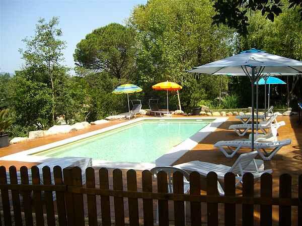 Villa Kløvedal i landskabet i Costa Brava