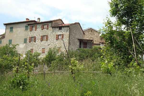 Traditional stone villa Tuscan panorama