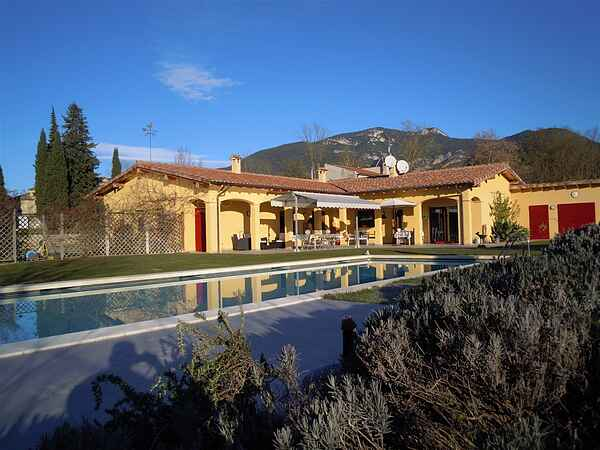 Villa i Tortellà