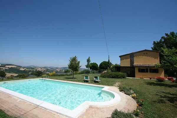 Villa in Caparucci