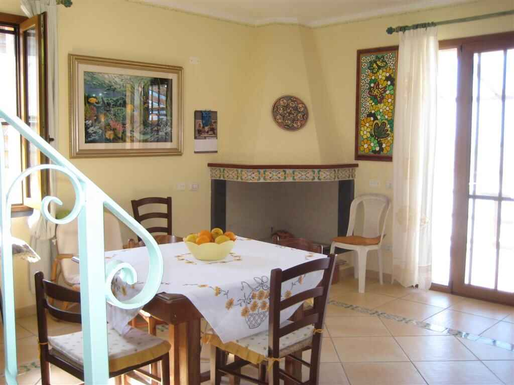 Rent a house in San Dzhovanni Di Sinis month price
