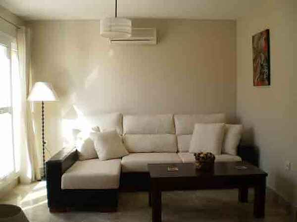 PF04 - 3 bed penthouse apartment centrally located