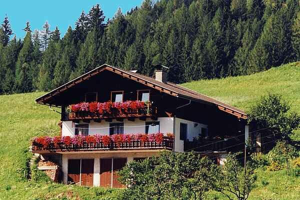 Holiday home in Mörtschach