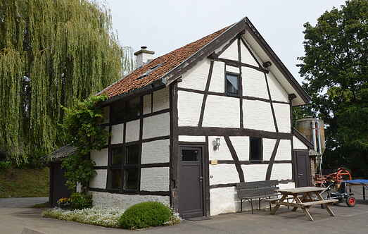 Cottage mh19393